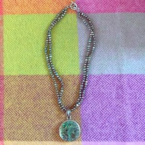 Jewelry - 💜Genuine water pearl & abalone pendant necklace